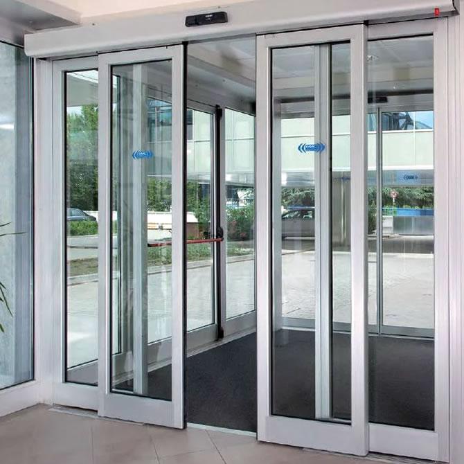 Bering de m xico puertas autom ticas de aluminio y vidrio for Puertas interiores de aluminio y cristal